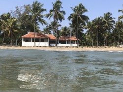 The house seen from the sea in Cherai